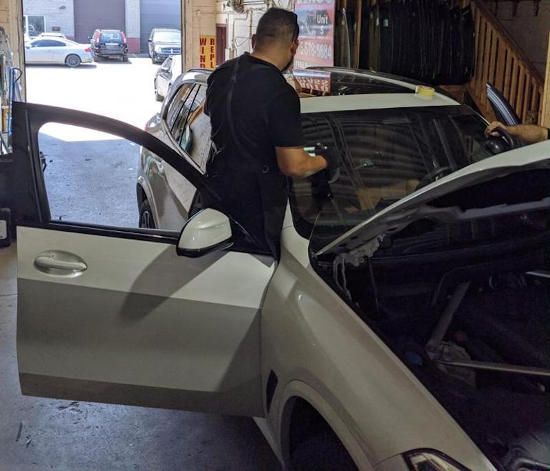 Auto Glass, Car Windshield Replacement Services in Toronto