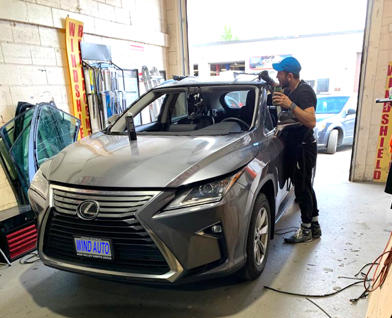 Auto Glass, Car Windshield Replacement Services in Vauguan